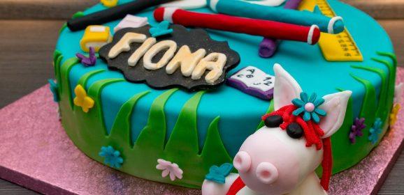 Rezept: Wir backen eine Torte zur Einschulung von Fiona mit modellierten Figuren