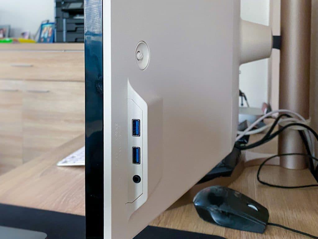 USB-A Anschlüsse an der rechten Seite